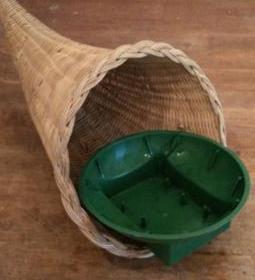 cornucopia container